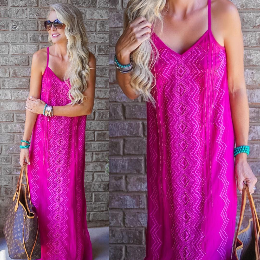 Cutest pink maxi for the hottest day ever!! I'm ready for football weather anytime now!! http://liketk.it/2oLdy #summer @chloeoliver