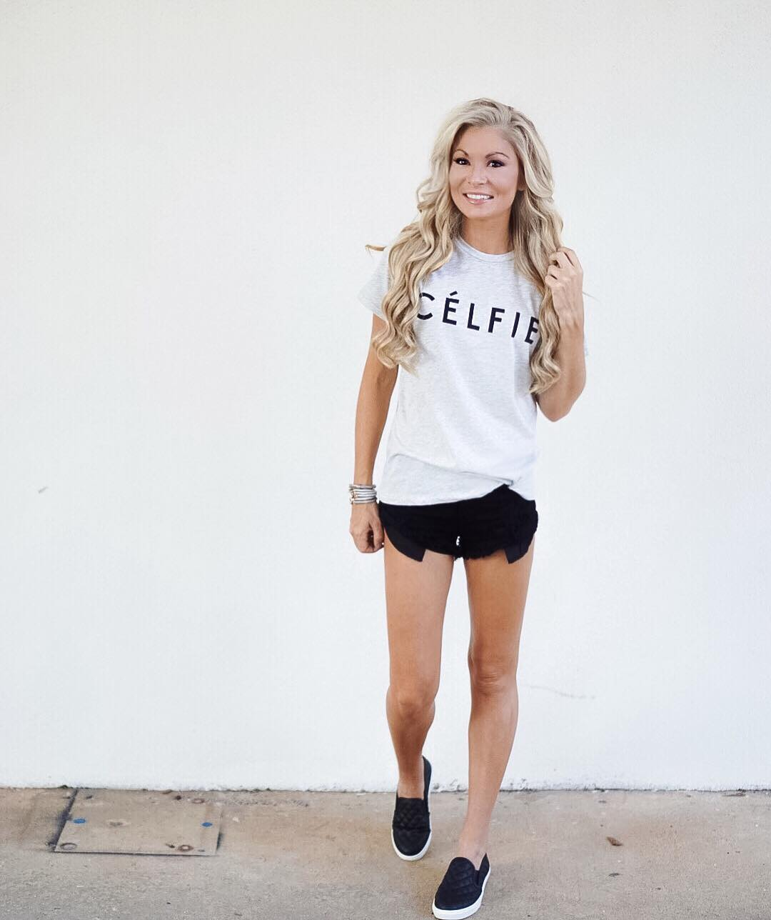 What's better than a graphic tee & cutoffs in the summertime!?! {especially one this cute! #selfie} ⚫️⚪️ http://liketk.it/2p4Nz #summertime #ootd #wiw #momstyle #isitfridayyet