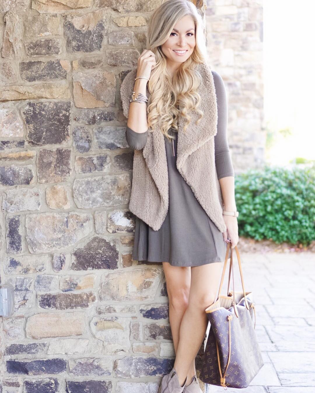 Headed to dinner and then ready for some Bama football! Perfect Saturday! http://liketk.it/2pxv2 @liketoknow.it #rolltide #saturdaze #fall #fallfashion #ootd #wiw #sabanforpresident