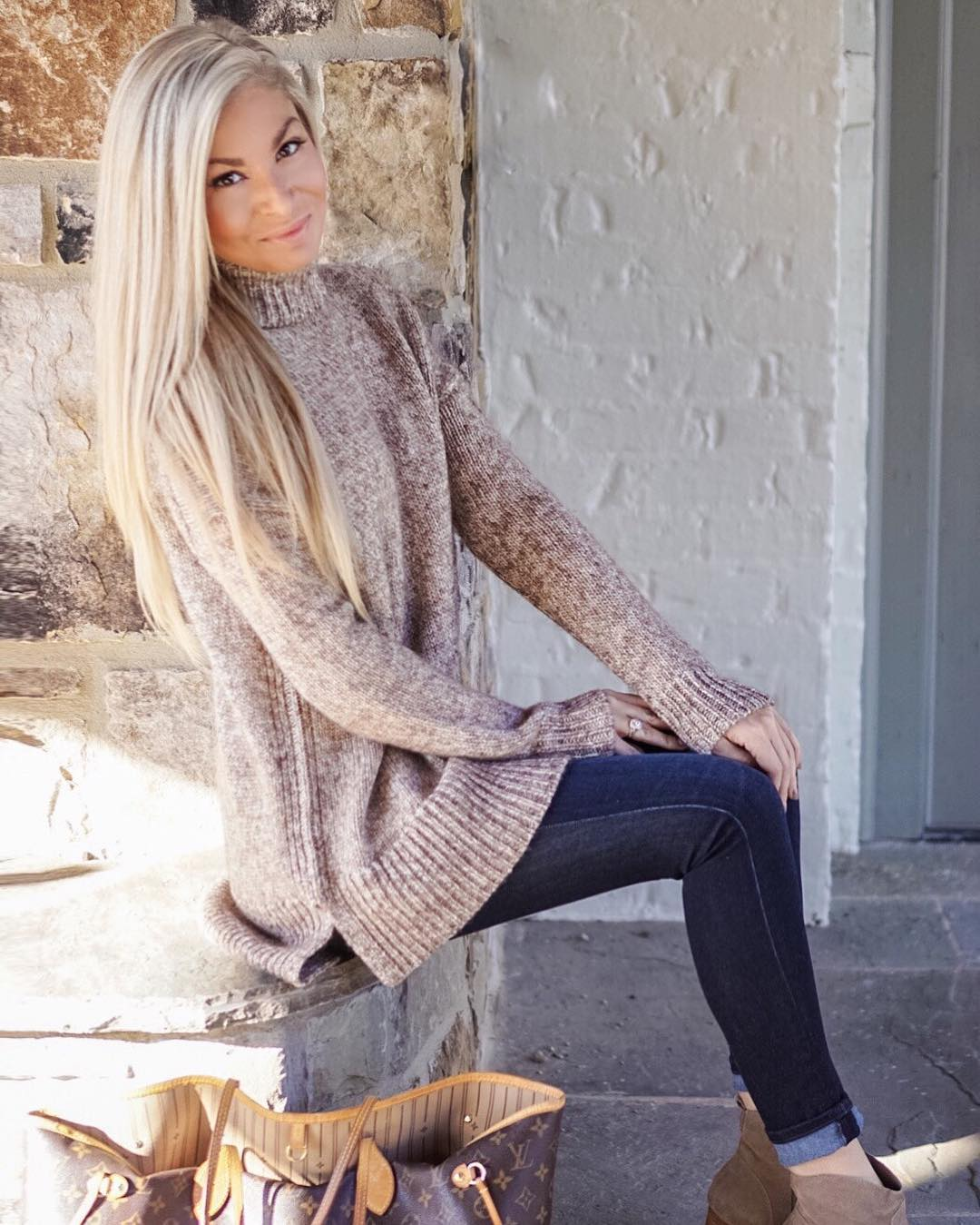 I'm always game for an oversized sweater...especially when it's this cold & windy!! // This cozyyyy sweater would be perfect for Thanksgiving day if you are still on the hunt for the perfect outfit!! // http://liketk.it/2pDYc #lktholidaystyle #thanksgiving #fall #fallfashion #ootd #wiw #sweaterweather